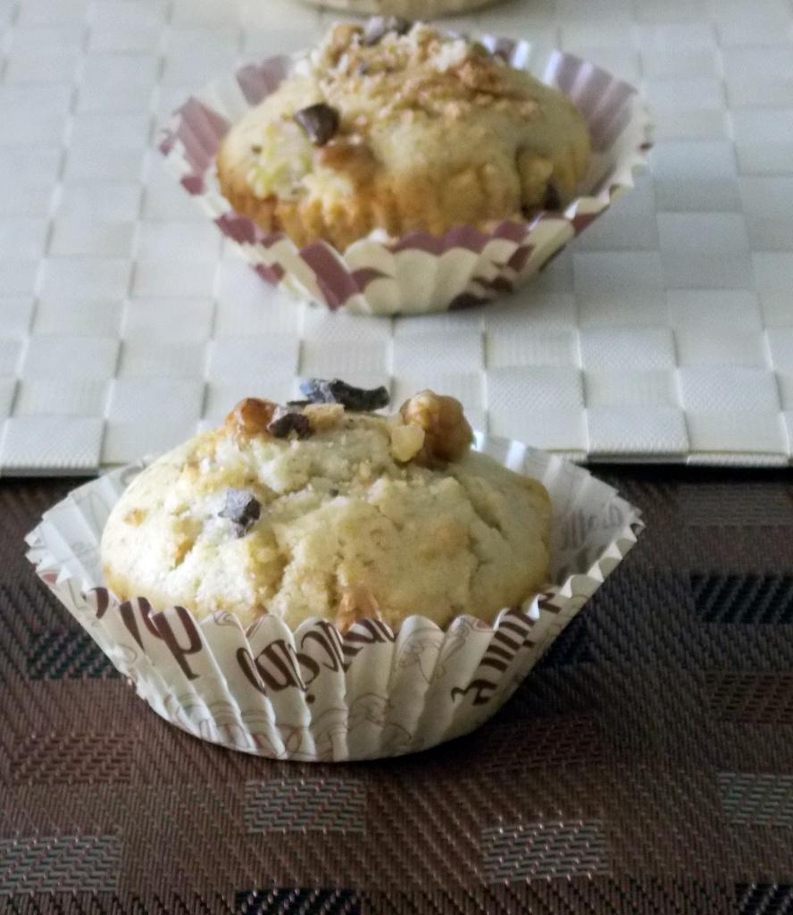 Muffin con Noci, Amaretti e Cioccolato