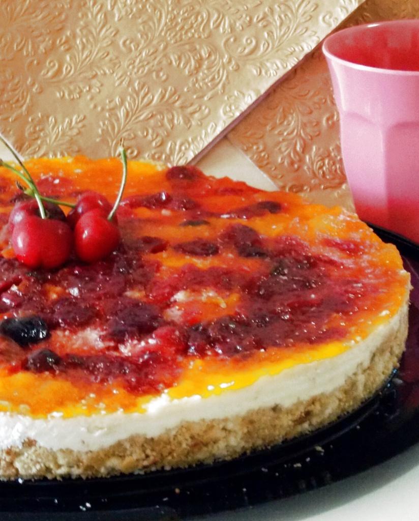 Cheesecake con Albicocche e Ciliegie
