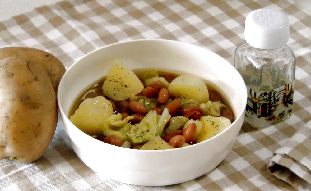 Zuppa di Fagioli con Verza e Patate